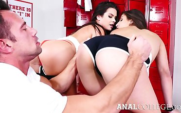 Amazing hottie Keisha Grey blows cock and gets poked in calculation pose
