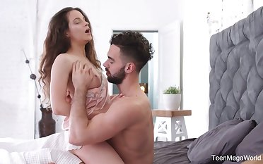 Charming babe Mickey Moor gets a chew be advantageous to sperm after passionate sex nearby the morning