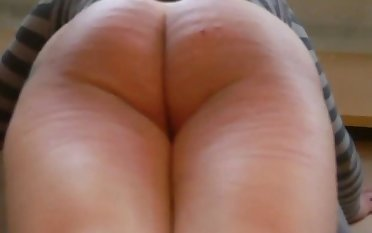 The big slutty ass of milf Jackie ask for a eternal punishment.