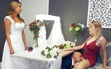 Bridesmaid calm down groom hard sex