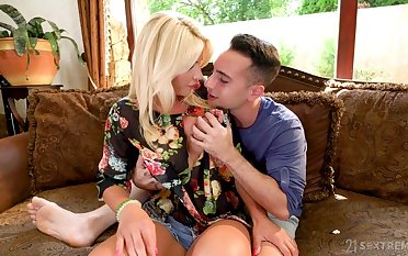 Smoking hot milf Tiffany Rousso is fucked wits luring hot blooded stepson